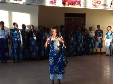 A singing/dancing/mimicking game – these women have fun!